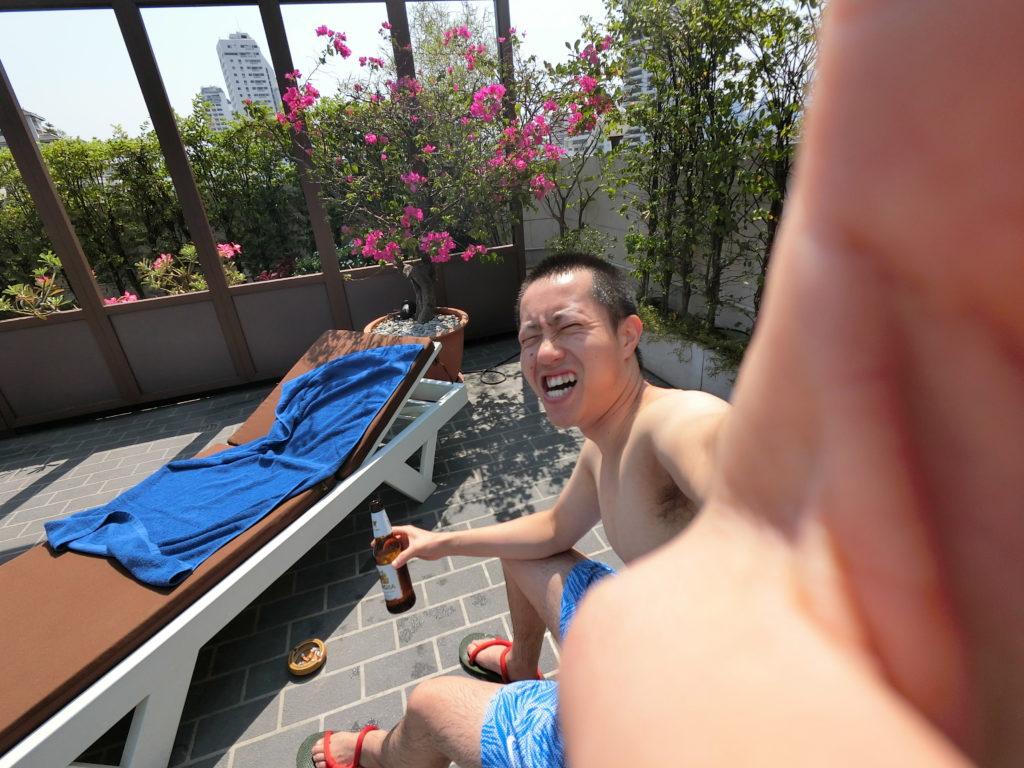 タイ、ビール、プール