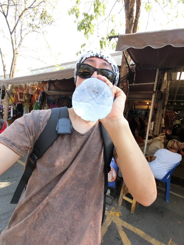ウィークエンドマーケット 水分補給