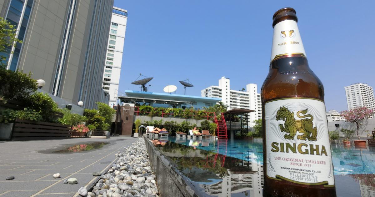 タイ、シンハービール、ルアムチットホテル屋上