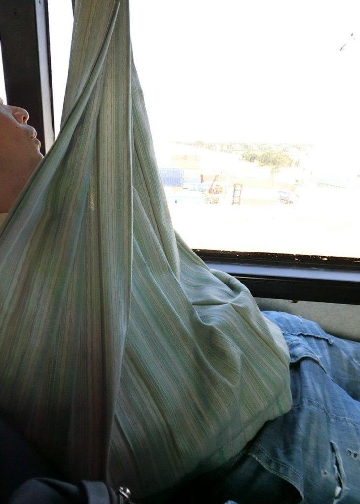 パタヤ行のバス 寒い